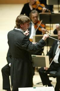 Esa-Pekka Salonen Conducts